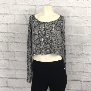 Mossimo Aztec crop top